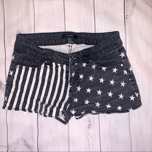 ♡  3/$25 Black and White American Flag Shorts ♡
